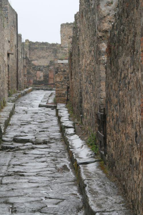 Italy_Pompeii_1h
