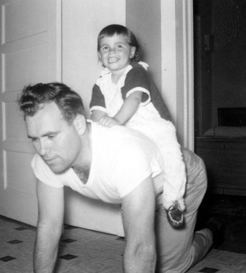 Dad_HorseyRide