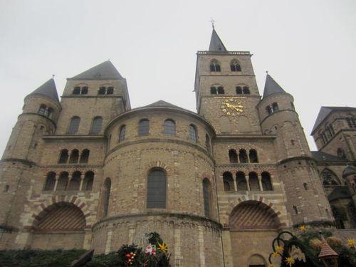 Trier (73)