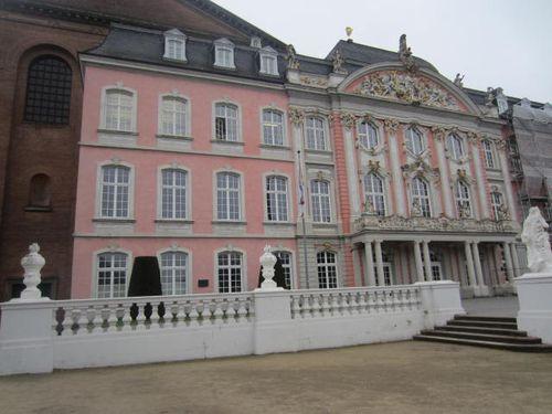 Trier (105)